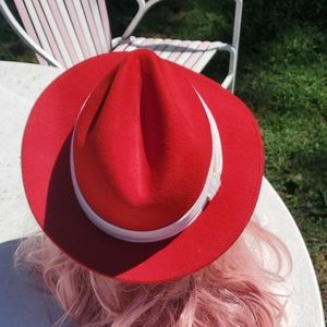 Vintage Accessories - Vintage Red Fedora Hat ❤